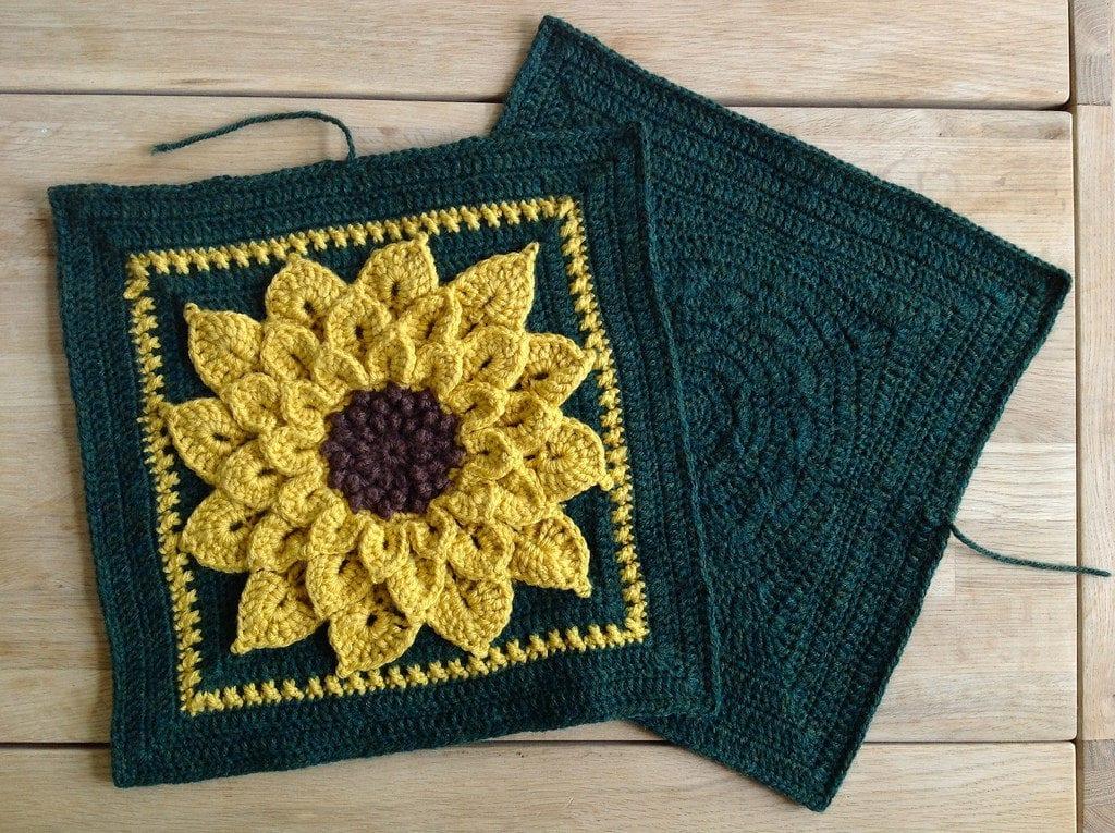 pillow-and-a-squaredcirclecrochetsunflower2