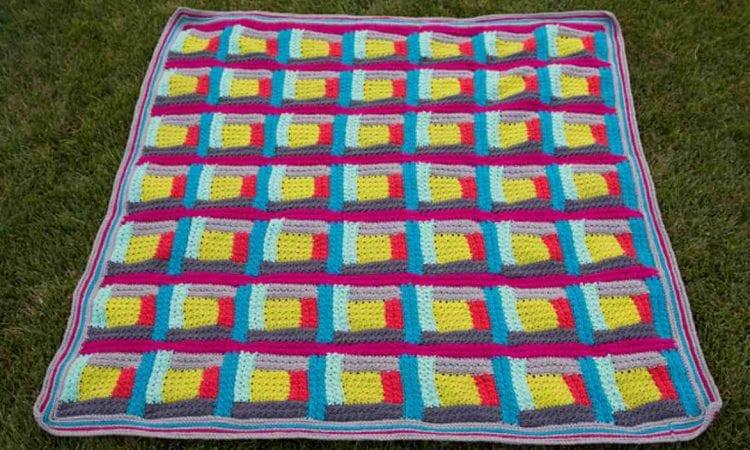 Chic Log Cabin Blanket Free Crochet Pattern