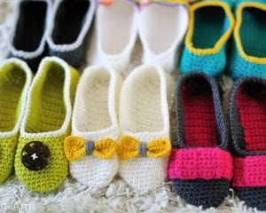 Slippers with a Twist Free Crochet Pattern