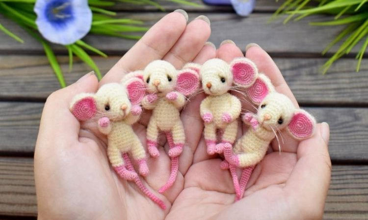 Cute Tiny Mice Free Crochet Pattern